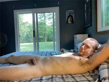 Musky gay man in Essex VT, LF odor sex